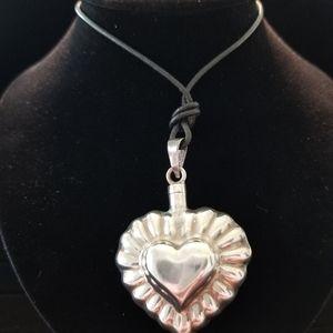 Jewelry - Silver tone heart pendant black chain necklace